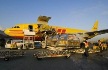 禁寄物品电池产品欢迎来电咨询  1)航空禁运的危险物品,液体,粉末